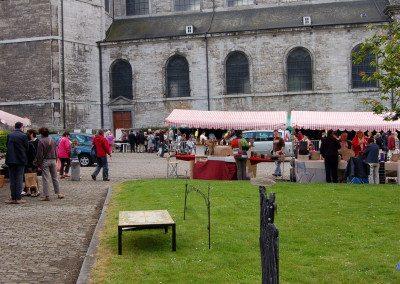 Biennale de la céramique 2006 - Marché des potiers - place du Chapitre (17)